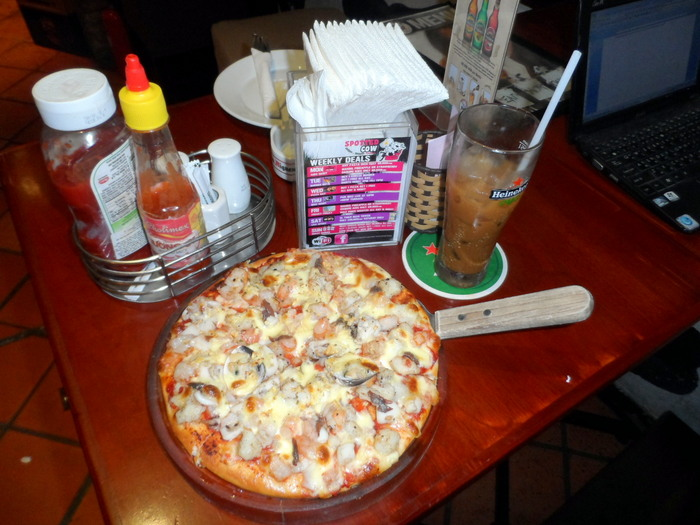 Seafood Pizza at The Spotted Cow, Bui Vien, HCMC, Vietnam
