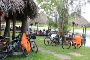 Veitnam Bicycle Tours - rest stop
