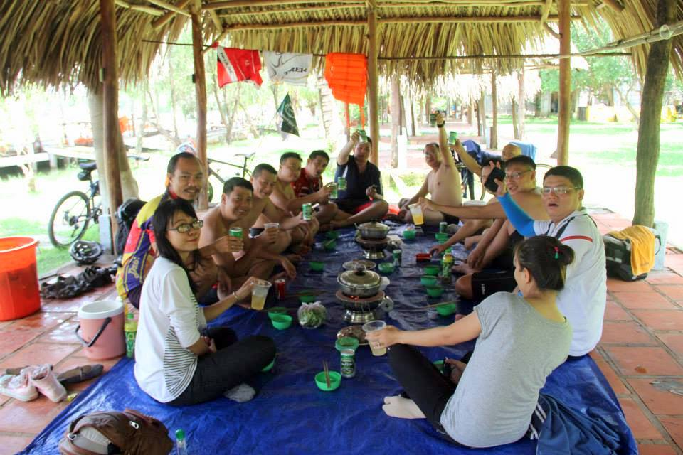 Vietnam Bicycle Tours - lunchtime