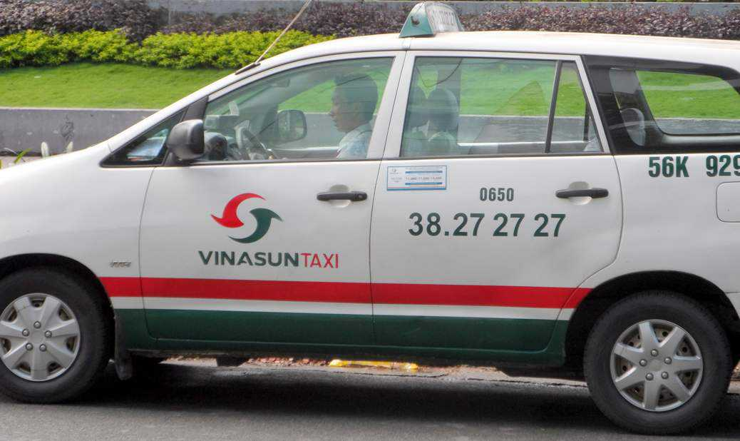 Scam Free Rides in a Saigon Taxi - Ho Chi Minh City Highlights