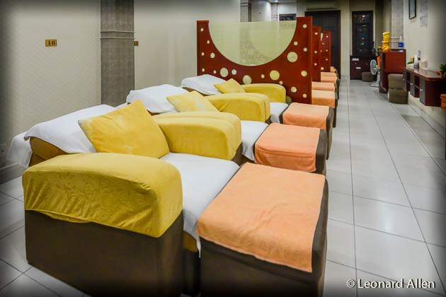MAssage in Saigon - Comfy massage beds. Group and private areas.