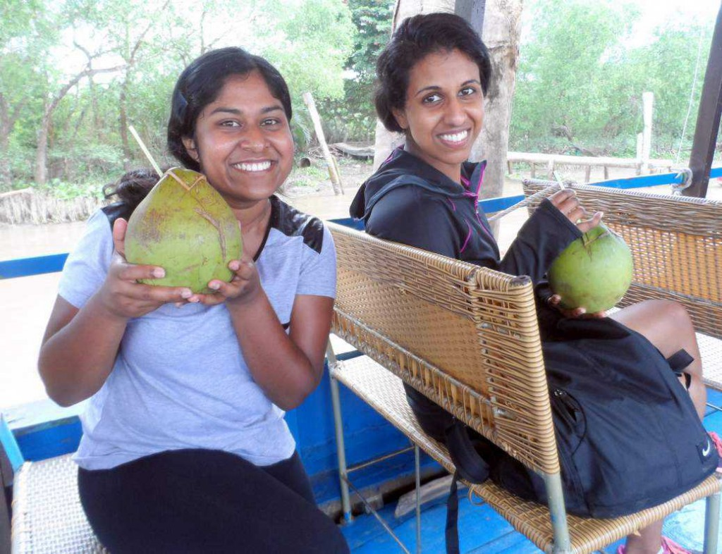 Veitnam Cycling Reviews - Coconut island boat