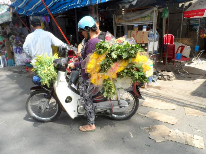 Flower Market Saigon - Delivery