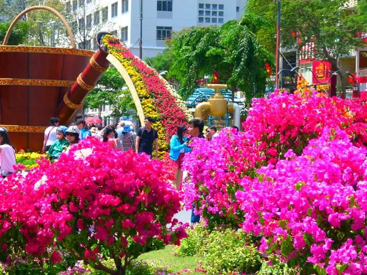TET-2017-Saigon - Flower Street