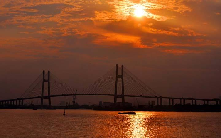 Sunset on Saigon Bridge